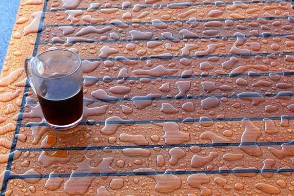 Table de jardin en teck imperméable